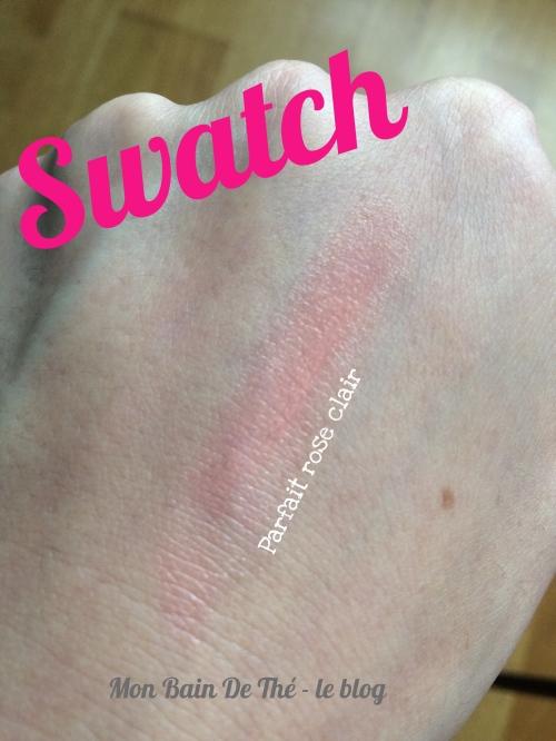 swatch crayon à levres eclat parfait rose clair